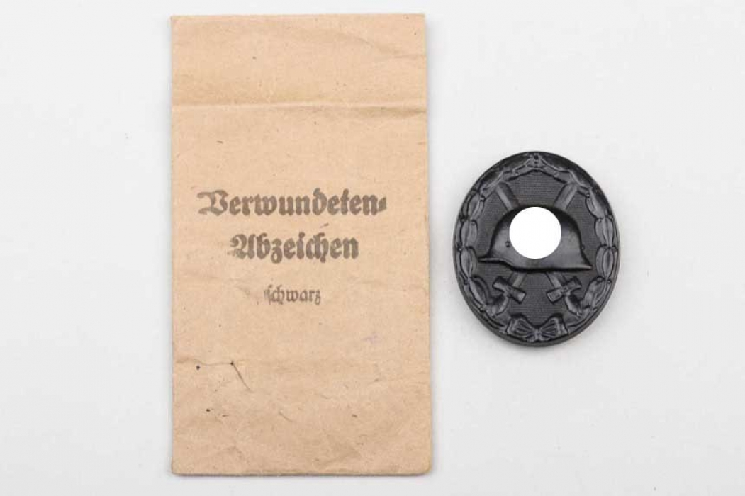Wound Badge in black with bag - Schanes